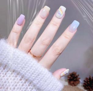 夏日甜美马卡龙色彩虹手绘美甲