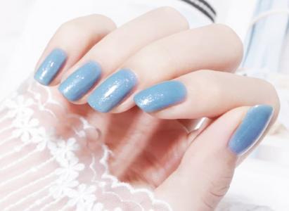 时尚简约款个性蓝灰细闪温柔美甲