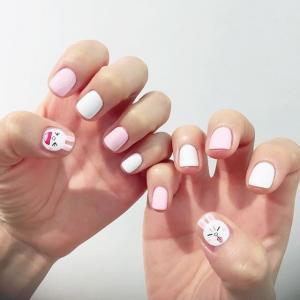 粉色可爱卡通兔子美甲图片