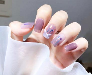 冰透灰紫色极光玻璃纸最新美甲