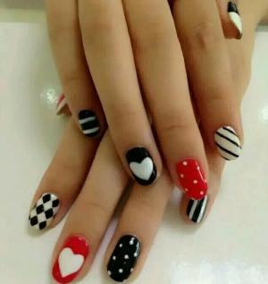 简单黑白线条爱心跳大红色画波点色块菱形图案美甲