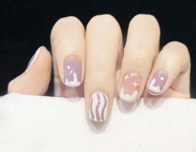 最新紫色手绘短指甲美甲款式