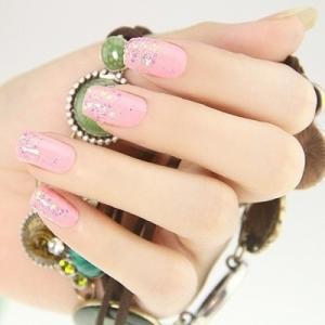 唯美小清新粉色亮片彩绘美甲图案
