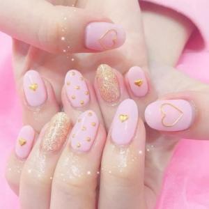 粉色日系跳色爱心波点美甲