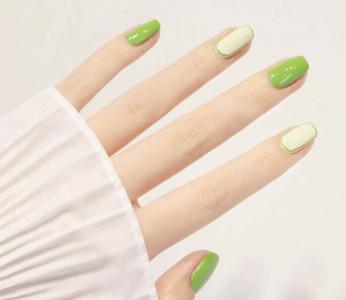 好看的清新绿色系高级显白美甲