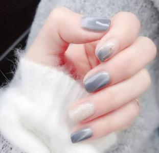 蓝灰色猫眼渐变显白金箔创意美甲