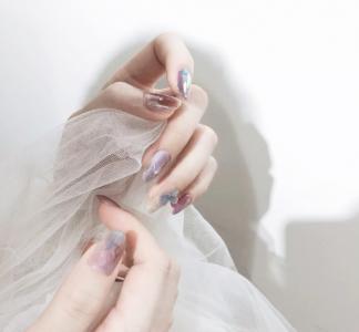 蓝紫色系晕染指甲图案样式图片