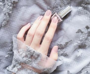 香芋灰粉色优雅简约美甲