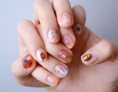 梦幻可爱彩色拼色短指甲美甲