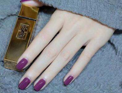 温柔显白纯色紫色美甲