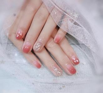 水波纹贝壳片粉色晕染温柔美甲