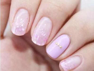 粉色贝壳粉渐变自制美甲