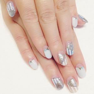 银色金属质感美甲图案