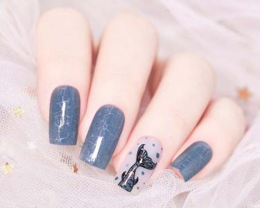 波光粼粼蓝色人鱼尾巴美甲