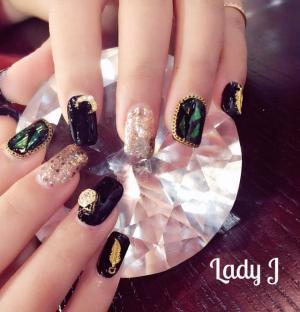 黑色金色奢华玻璃甲美甲款式——Lady J分享