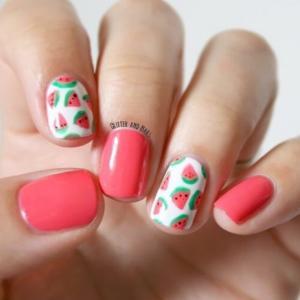 粉色西瓜款夏天可爱美甲图片