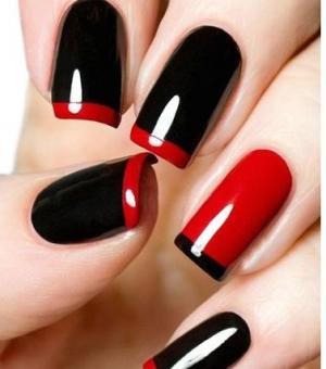 经典红色黑色条纹光疗彩绘美甲图案
