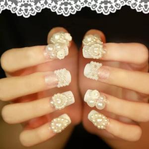 热门法式镶钻珍珠创意撞色新娘婚嫁美甲