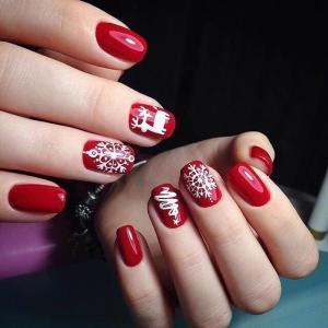 大红色质感圣诞美甲图片