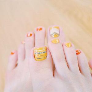 橙色民族风脚趾甲美甲款式
