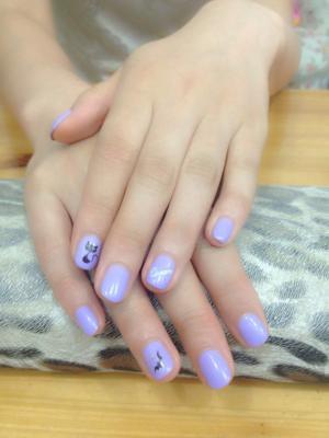浅紫色可爱手绘小猫咪款美甲图片