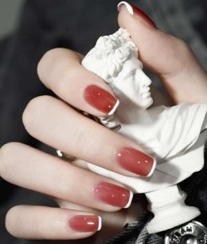 肉桂红茶色浪漫法式美甲最新款式