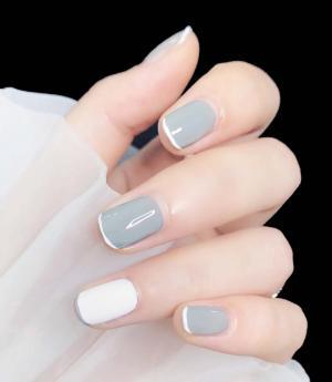 夏季最热灰白色法式美甲