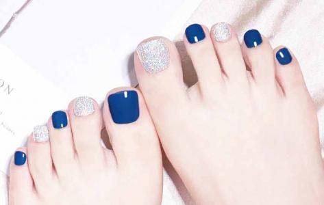 时髦蓝色脚趾甲美甲2021新款