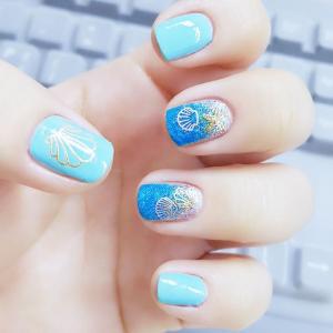 蓝色海洋风贝壳美甲图片