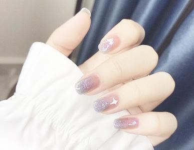 浪漫蓝紫色晕染显白美甲款式
