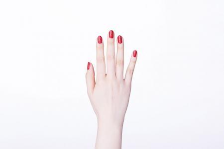 指甲不再涂的凹凸不平的教程